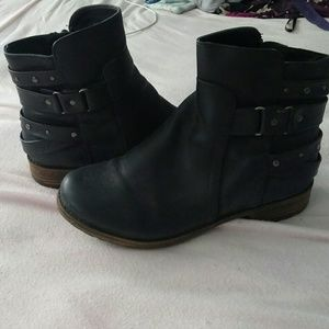 Shoes - Black Booties!